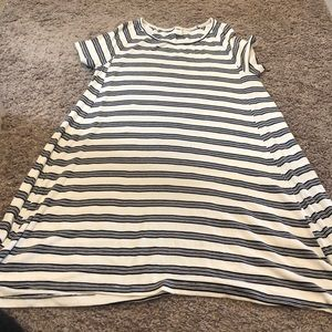 Old navy white and navy ribbed swing dress